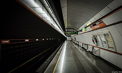 Viennese subway (8754331855).jpg