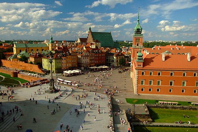 http://upload.wikimedia.org/wikipedia/commons/thumb/5/5b/Warszawa_widok_na_Stare_Miasto.jpg/640px-Warszawa_widok_na_Stare_Miasto.jpg?uselang=pl
