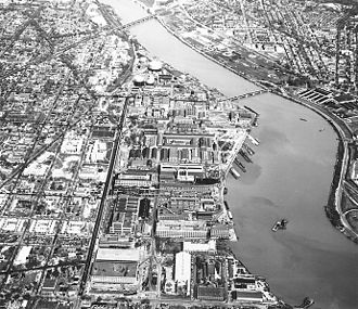 Anacostia River - The Washington Navy Yard and its vicinity circa 1960. The Anacostia River runs diagonally from upper left to lower right center, crossed by the Eleventh Street Bridge (in center) and the Sousa Bridge (Pennsylvania Avenue) near the top