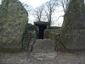 Wayland's Smithy - Image: Wayland's Smithy entrance
