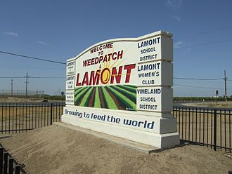 Lamont, California - Welcome sign on California State Highway 184 for Lamont and the neighboring community of Weedpatch.