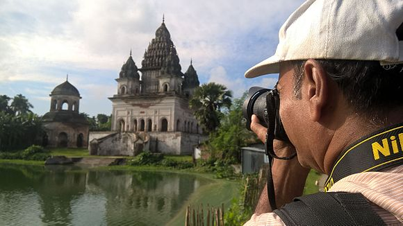 Wikipedia Photowalk Puthia, September 2016 03.jpg