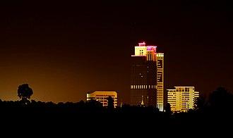 Wisma Sanyan - Image: Wisma Sanyan at night