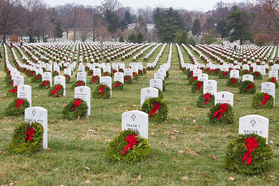 Wreaths Across America 131214-A-SW162-006