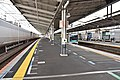 Yoyogi-Uehara Station platform 20180519 162023.jpg
