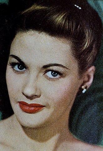 Yvonne De Carlo - De Carlo on the cover of Screenland, August 1948