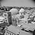 Zicht over de stad Jeruzalem. Een christelijke kerk, de Heilige Grafkerk, op de…, Bestanddeelnr 255-5203.jpg