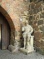 Ziesar-Burg-Skulptur-1.jpg
