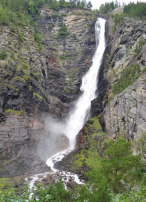 Dovrefjell–Sunndalsfjella National Park - Waterfall Åmotan