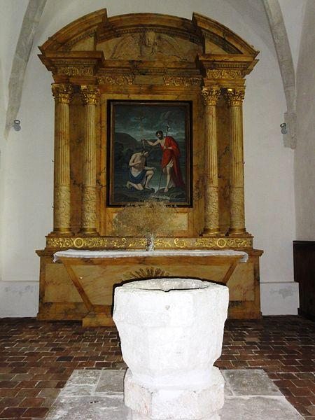 Église Saint-Pierre de Montlivault, fonts baptismaux, tableau baptême du Christ