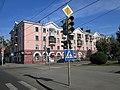 Жилой дом со встроенным магазином - проспект Ленина, 92, Барнаул, Алтайский край.jpg