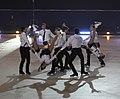 Офисные работники сцена из ледового шоу.jpg