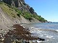 Пляж под западным окончанием хребта Карагач.jpg