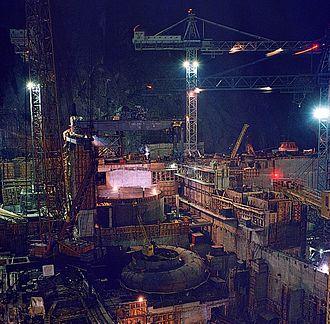 Sayano–Shushenskaya Dam - Construction of the station and montage of turbine 2.