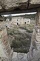 חאן געתון, מבט מהקומה השנייה במבנה הדרומי אל החצר.jpg