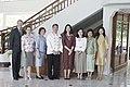 นางพิมพ์เพ็ญ เวชชาชีวะ ภริยา นายกรัฐมนตรี นำคู่สมรสผู้ - Flickr - Abhisit Vejjajiva.jpg
