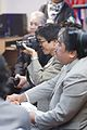 สัมภาษณ์และถ่ายภาพเอง นายกรัฐมนตรี ให้สัมภาษณ์สำนักข - Flickr - Abhisit Vejjajiva.jpg