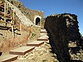018 Castell de Montsoriu, porta del recinte exterior.jpg