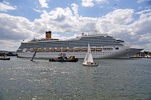 12-06-09-costa-fortuna-by-ralfr-36.jpg