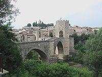 14441 Pont de Besalu.jpg
