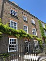 18 New End Square, Hampstead, June 2021.jpg