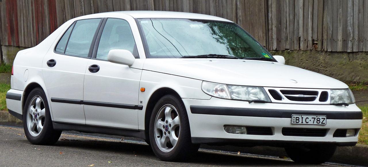 1997-2001 Saab 9-5 SE sedan 01.jpg