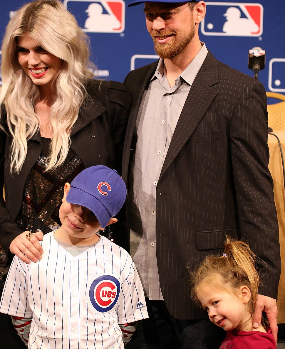 2015 -WinterMeetings- The Zobrist family (23271867979) (cropped)