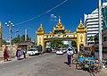 2016 Rangun, Pagoda Botahtaung (86).jpg