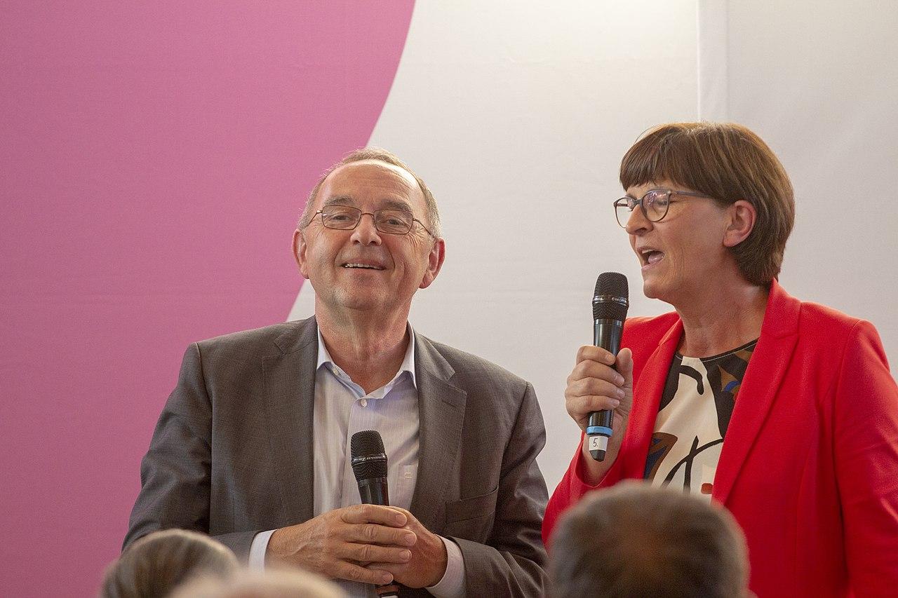 2019-09-10 SPD Regionalkonferenz Team Esken Walter-Borjans by OlafKosinsky MG 2393.jpg