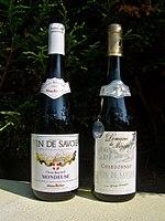 Bouteilles de Mondeuse et de Chardonnay (vin de Savoie)