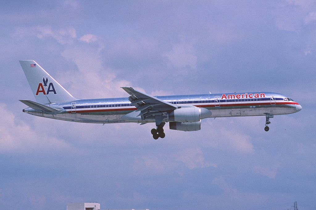 File 375du american airlines boeing 757 223 n653a mia for American airlines plane types