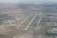 Aéroport militaire d'Evreux.jpg