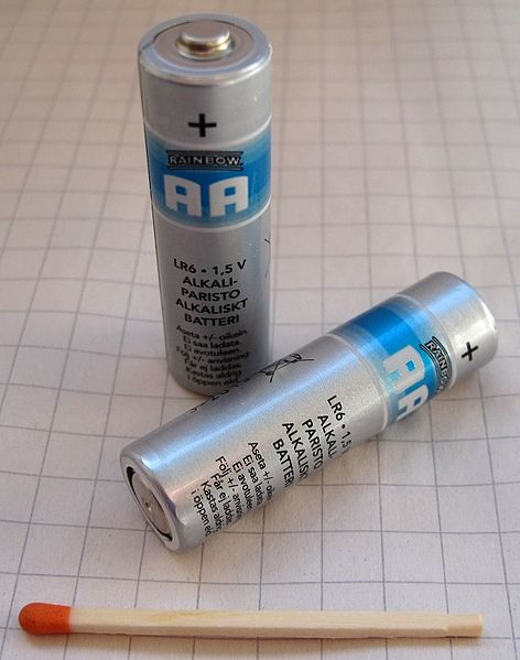 File:AA matchstick-1.jpg Description English: 2 AA type batteries with a matchstick for comparison. This is an ordinary matchstick like the kind that comes in match boxes. It is not a giant or super matchstick, in fact you probably have one in your home right now!