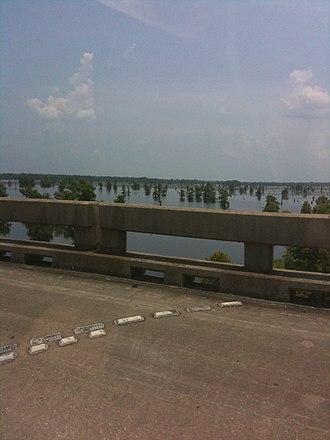 Atchafalaya Basin - Image: AB Bridge I 10