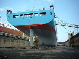 De Gosport Maersk in dok