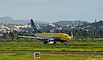Air Transat B737-73S (C-GTQI).jpg