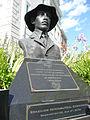 Alberto Santos-Dumont statue in Washington DC 3.jpg