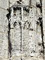 Allonne (60), église Notre-Dame de l'Annonciation, façade occidentale, portail principal, socle à gauche.JPG