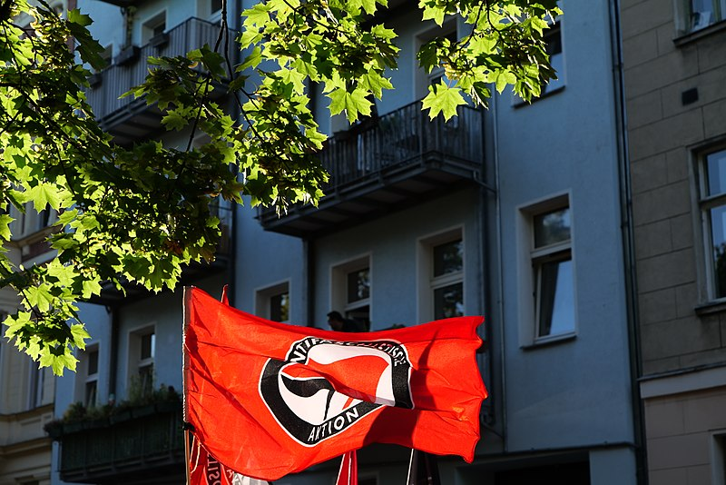 File:Antifascist demonstration against KDW in Berlin-Wedding 2020-07-31 37.jpg
