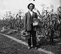 """Anton, Breg, prodaja v Dobu """"košare"""" 1950.jpg"""