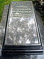 Arnold von Bohlen und Halbach Grabplatte.JPG