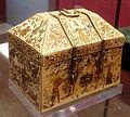 Arte siculo-normanna, reliquiario a cofanetto, avorio, xiv secolo, 03.jpg