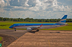 Austral Embraer 190, Puerto Iguazu, Misiones, Argentina, Jan. 2011 - Flickr - PhillipC.jpg