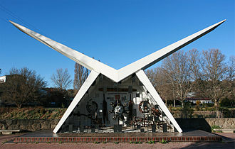 Cooma - Image: Aviation Pioneers Memorial, Cooma, NSW, jjron, 24.09.2008