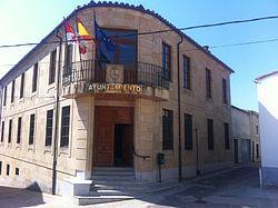 Ayuntamiento de Corrales del Vino.JPG