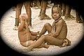 Bébés Himba. Iona.jpg