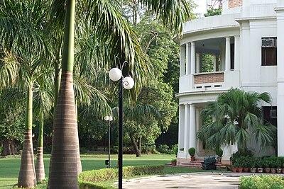 Bahai-House-New-Delhi-04.JPG