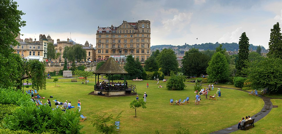 Bath - Parade Gardens - July 2006