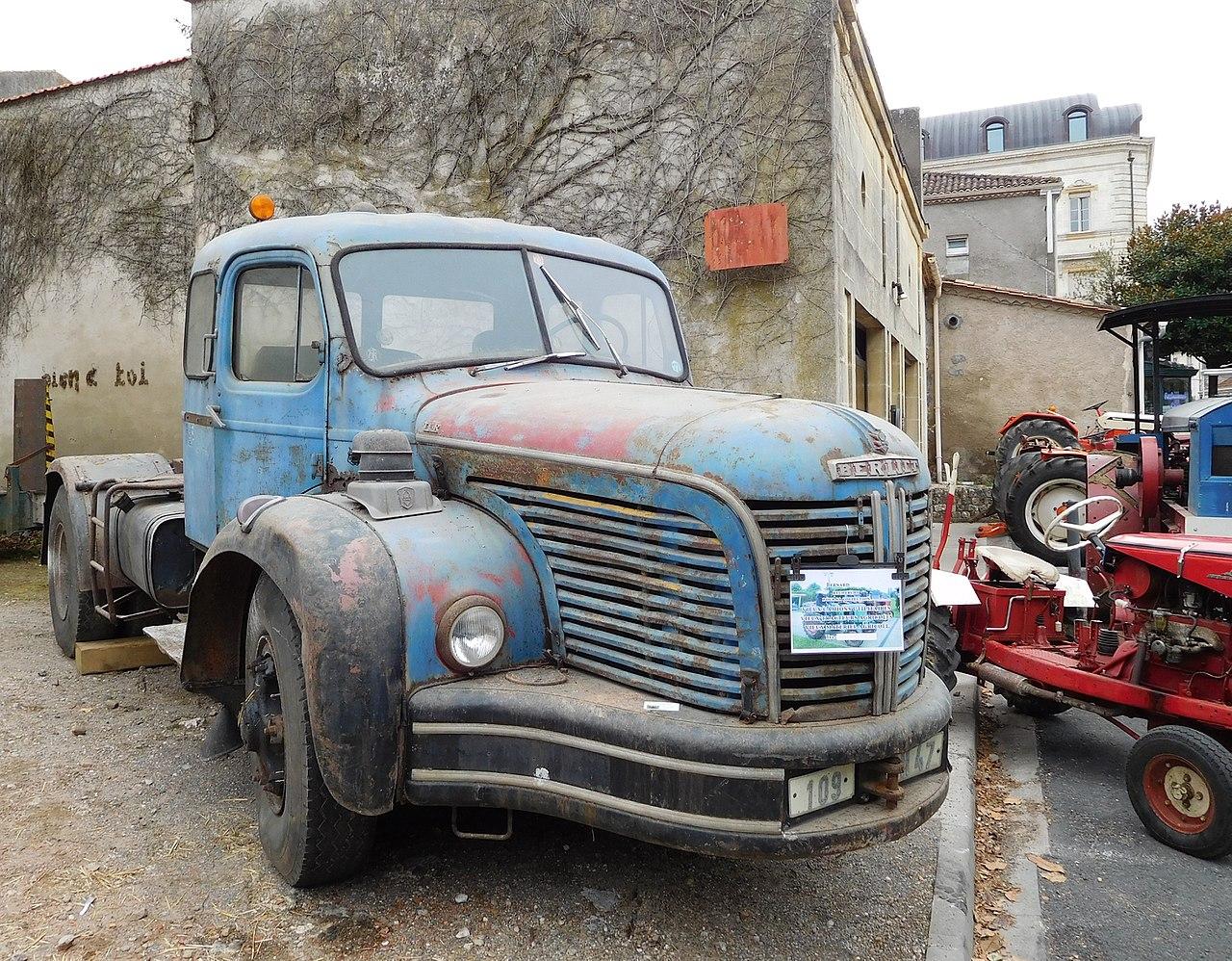 File:Berliet, rusty tr...
