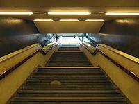 Berlin - U-Bahnhof Turmstraße (9487890741).jpg
